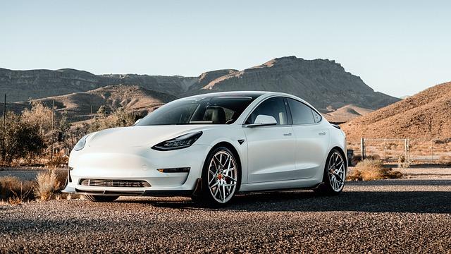 Tesla Model S : le modèle de la voiture de luxe écologique et moderne !
